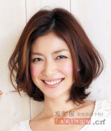 中短发发型图片 烫染梨花头更时尚