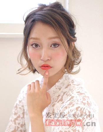 日系女生扎发发型 简单妩媚超实用