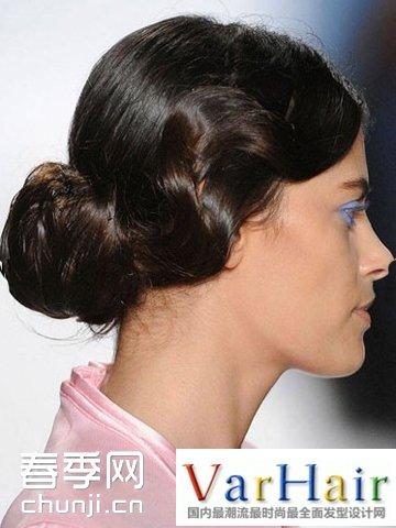 头发多的女生扎丸子头 头发多怎么扎丸子头 怎样扎丸子头好看