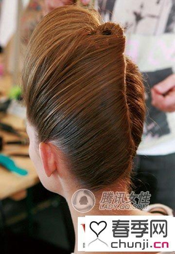 小女孩辫子盘发发型 复古欧式辫子盘发发型