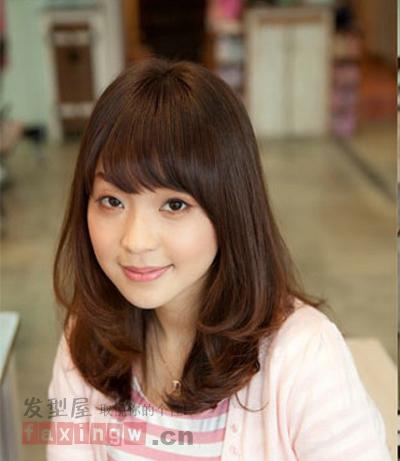 最新韩国女生发型 秋冬最流行时尚卷发图片
