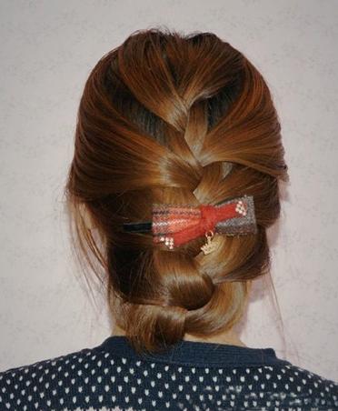 夏季长发怎么扎 蜈蚣辫编发最好看