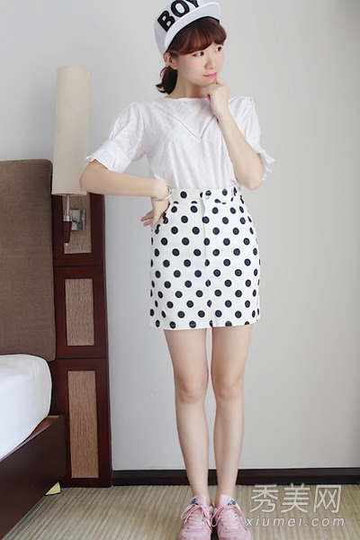 t恤搭配小短裙 可爱韩系风格超美