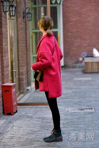大红色呢子大衣