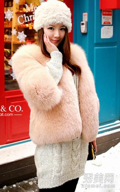 2013冬季服装搭配 皮草外套引领潮流 高清图片