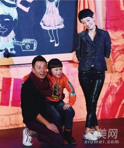 文章马伊琍红毯街拍 穿衣挑男人品味都很LOW图片