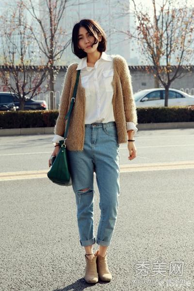 白衬衫搭配牛仔裤 简单时髦欧美范
