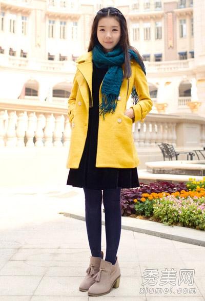 暖暖的黄色系毛呢外套,精致好看的裁剪,流畅的线条,穿在身上俏皮可爱