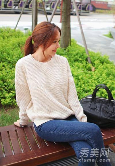针织衫搭配牛仔裤 韩范儿风格超美 - 百科教程