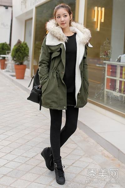 胖人冬季穿衣搭配 棉服搭长款卫衣显瘦