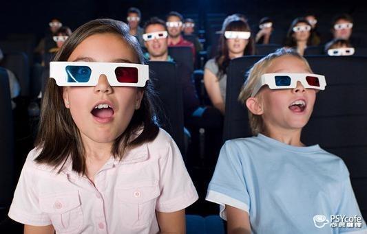 父母该怎么和孩子看电影?