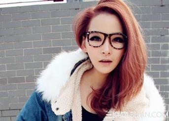 春节必备戴眼镜女生发型设计图片