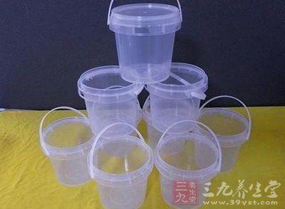 塑料桶包装的食品安全规范和监管