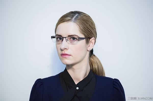 带平光眼镜会近视吗_带近视眼镜的人,实验如果带防护眼镜,那自己眼镜怎么办?-