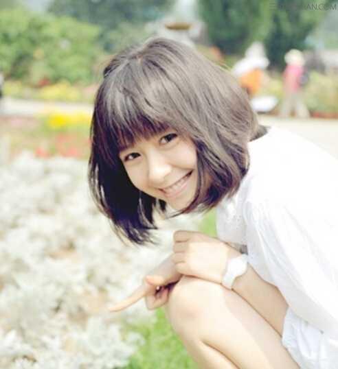 2015年女生清纯短发烫发发型