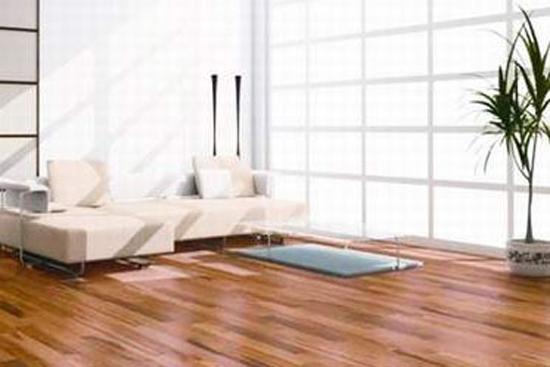 现代人多生活在高楼大厦间,很难有竹林环绕的情境。但是随着地板原材料的多样化,竹地板开始走进人们的视野。竹地板具有竹子的天然纹理,给人一种回归自然、高雅脱俗的感觉,给家居带来一股清新之风。竹地板是以天然竹子为材料,经过先进工序加工而成的
