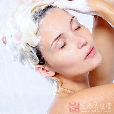 洗头发的正确方法 正确洗头让你爽一夏