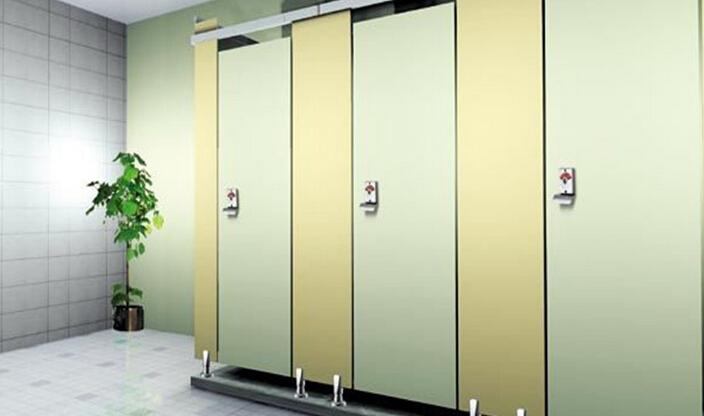 一般卫生间的隔断高度都是根据房屋的