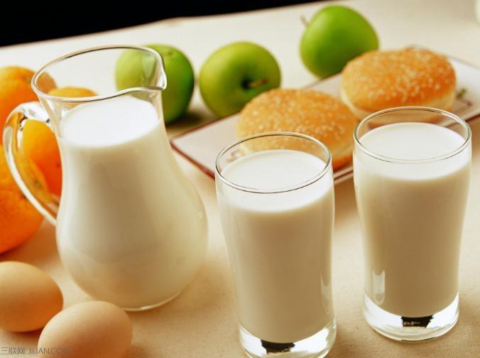 喝牛奶或蛋白(优质酸奶芬类服用)适量,于酒前半酸奶亦可,牛奶或高中在v牛奶师小时图片