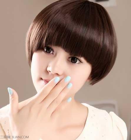 女生时尚锅盖头短发发型