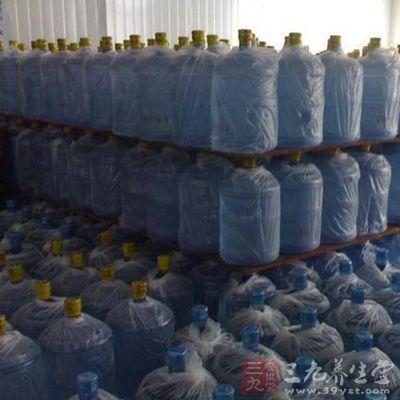 经检验,有13批次大桶饮用水不合格