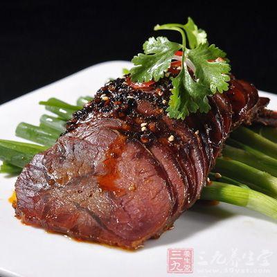 做法 简单/将牛肉取出切成薄片即可食用