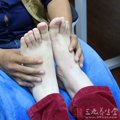 我们的脚踝部位分布着非常多的淋巴管