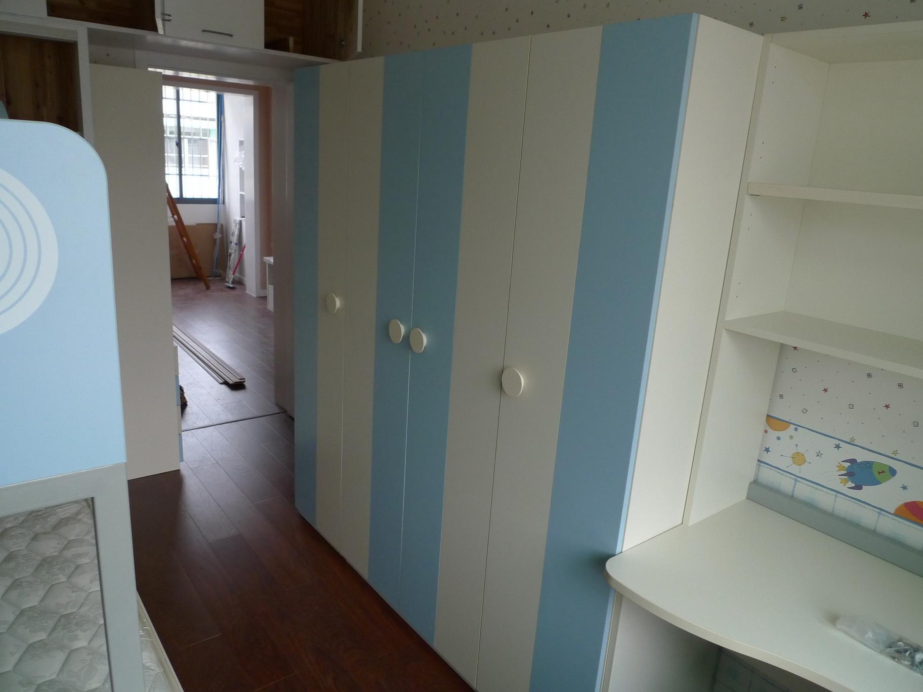 卧室装修的面积有大有小,很多人在还没有进行卧室装修的时候就开始选购家具了,如果家具买太大或太小的话,对于卧室设计效果都是会有影响的哦!今天,小编为大家分享2015卧室装修施工标准尺寸大全,一起来看看吧! 【面积:12平方米以上~30