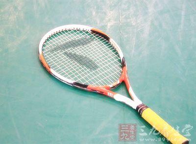 网球v网球简单打教程应注意哪些-世界教程网的网球我服正确开百科图片