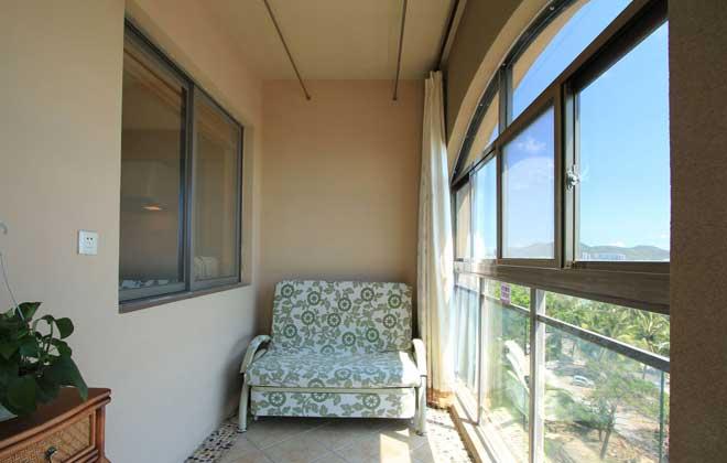 阳台,可不仅仅是晾晒衣物的地方哦。很多人都用自己的巧思为阳台赋予了不同的功能:洗衣房、植物角,甚至是书房、卧室,不管你家的阳台定位如何,放上几盆绿植,在阳光的照射下,绝对会是一种别样的美。你家阳台设计是怎样的呢?一起来晒照吧!