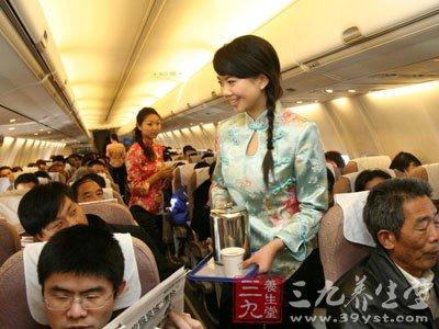 > 国航飞鸟撞扁机头 坐飞机注意事项有哪些           外国人出境时须