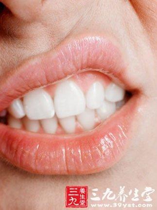 上火牙龈肿痛怎么办 对症下药帮男人消火去痛