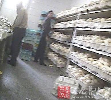 上海华联等超市被曝多年销售染色馒头