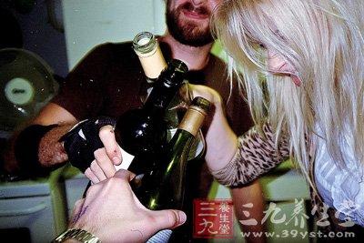喝酒的学问 适量饮酒的男人更长寿 - 百科教程