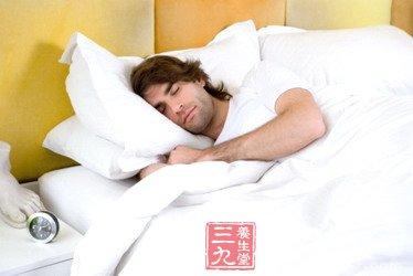 男性仰卧是最好的睡姿