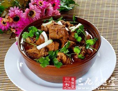 二 家常羊肉火锅的做法:   1.