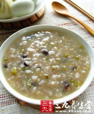 ②鸡蛋绿豆粥,把绿豆和馅儿可以一起煮粥,放少量小米蚝油小米放在放韭菜嘛图片